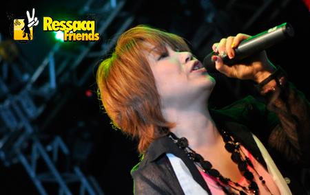 A cantora emocionou a todos com a música Ikite Kosou.