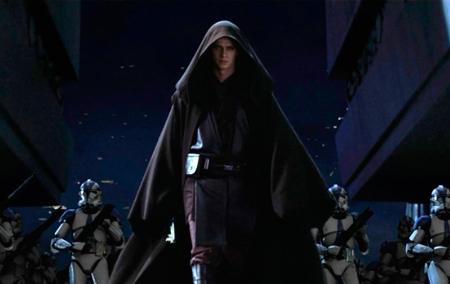 A transformação de Anakin em Darth Vader é o destaque do filme!