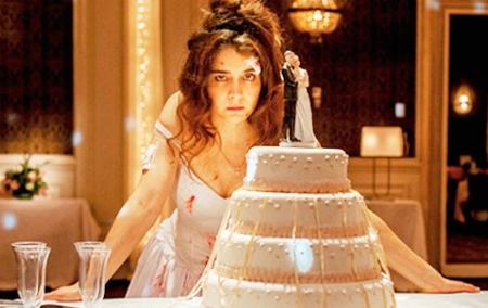 Erica Rivas de noiva é o maior espetáculo do filme!
